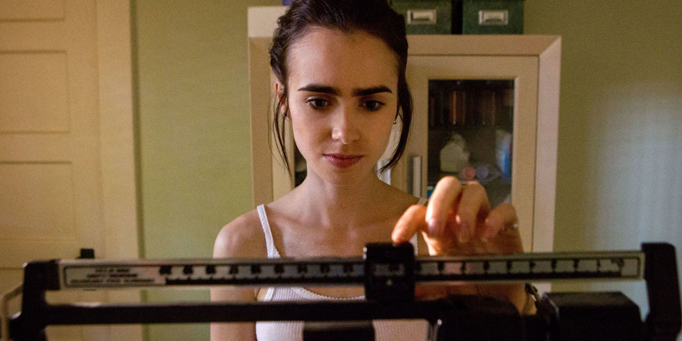 landscape-1500019484-lily-collins-to-the-bone