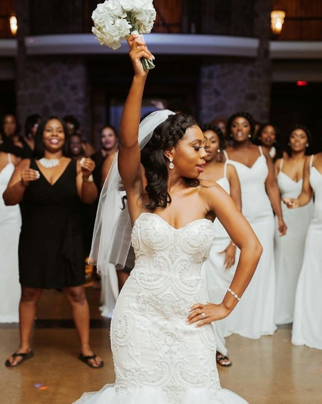 why%20do%20brides%20toss%20the%20bouquet.jpg